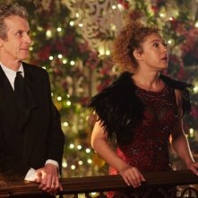 Doctor Who: Peter Capaldi e Alex Kingston in una foto dello speciale di Natale intitolato The Husbands of River Song
