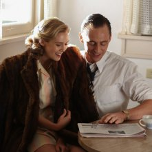 I Saw The Light: Tom Hiddleston e Elizabeth Olsen in una scena del biopic