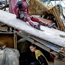 Deadpool: Ryan Reynolds e Brianna Hildebrand in una foto del film
