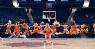 Un disastro di ragazza: Amy Schumer balla in una scena del film