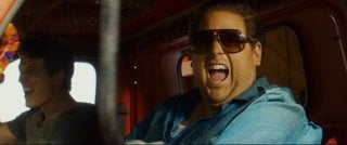 Arms and the Dudes: Jonah Hill e Miles Teller scatenati in auto