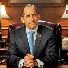 Colony: Peter Jacobson in un'immagine tratta dal primo episodio