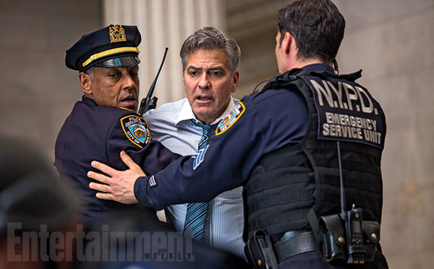 Money Monster: George Clooney bloccato da due agenti
