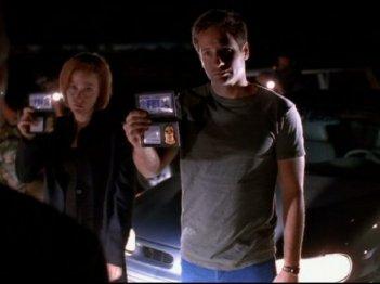 X-Files: Mulder e Scully in Area 51