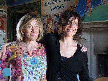 La pazza gioia: Valeria Bruni Tedeschi e Micaela Ramazzotti sul set