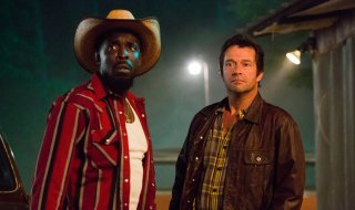 Hap and Leonard: James Purefoy e Michael K. Williams in una scena