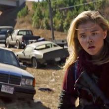 La quinta onda: Chloë Grace Moretz in un concitato momento del film