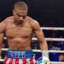 Creed - Nato per combattere: Michael B. Jordan sul ring in una scena del film