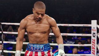 Creed - Nato per combattere: Michael B. Jordan sul ring in una scena del film
