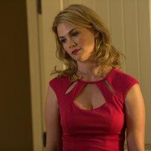 Good Kill: la bella January Jones in una scena del film