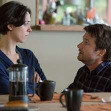 Regali da uno sconosciuto - The Gift: Jason Bateman e Rebecca Hall in una scena del film