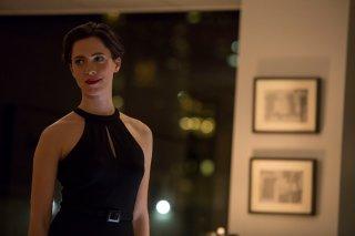 Regali da uno sconosciuto - The Gift: una elegante Rebecca Hall in una scena del film