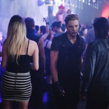 Shadowhunters: Dominic Sherwood interpreta Jace Wayland in The Mortal Cup
