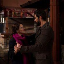 Onda su onda: Alessandro Gassman e Luz Cipriota in un momento del film