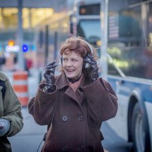 About Ray: Elle Fanning e Susan Sarandon in una scena del film