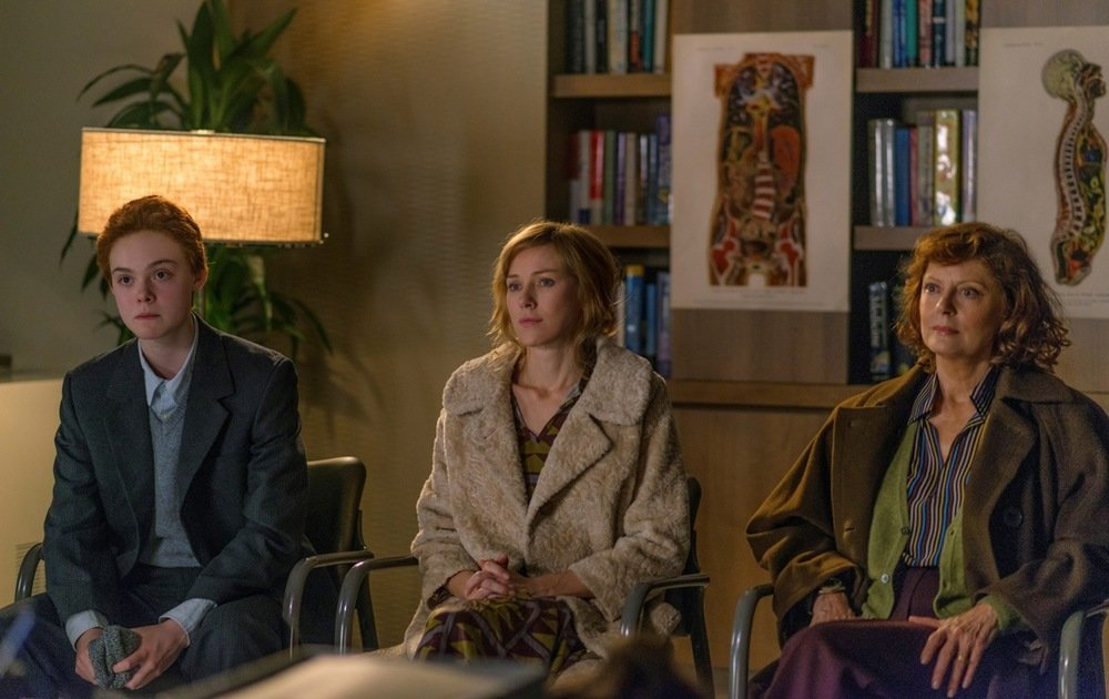 About Ray: Elle Fanning, Susan Sarandon e Naomi Watts in una scena del film