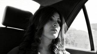 Amore, furti e altri guai: Maya Abu Alhayyat in una scena del film