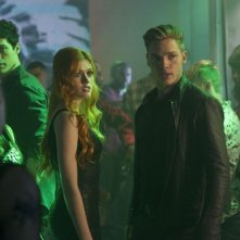 Shadowhunters: Katherine McNamara e Dominic Sherwood sono Clary e Jace in The Mortal Cup