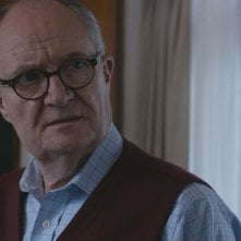 London Spy: l'attore Jim Broadbent interpreta Scottie
