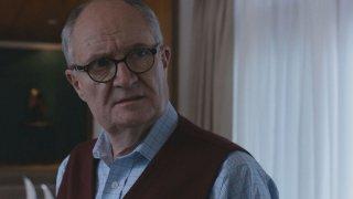 London Spy: l'attore Jim Broadbent interpreta Scottie