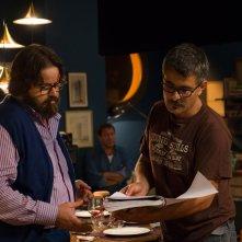 Perfetti sconosciuti: Giuseppe Battiston sul set con il regista Paolo Genovese