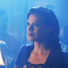 Agent Carter: un bel primo piano di Peggy (Hayley Atwell) tratto dall'episodio A View in the Dark