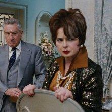 Joy: Isabella Rossellini e Robert De Niro in una scena del film