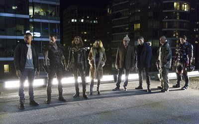 Legends of Tomorrow: 5 motivi per recuperare la serie sci-fi della DC