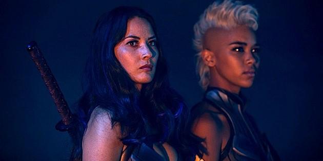 X-Men: Apocalypse - Olivia Munn e Alexandra Shipp in una scena