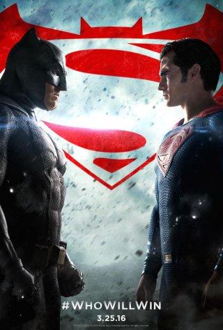 Batman v Superman: Dawn of Justice - Il nuovo poster li vede l'uno contro l'altro