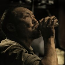 Crosscurrent: Jiang Hualin in una scena del film