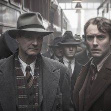 Genius: Colin Firth e Jude Law in una scena del film