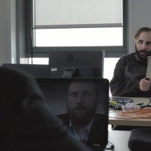News From Planet Mars: Vincent Macaigne e François Damiens in una scena del film