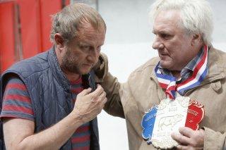 Saint amour: Benoît Poelvoorde e Gérard Depardieu in una scena del film