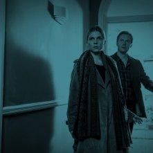 The Ones Below: Stephen Campbell Moore e Clémence Poésy in una scena del film