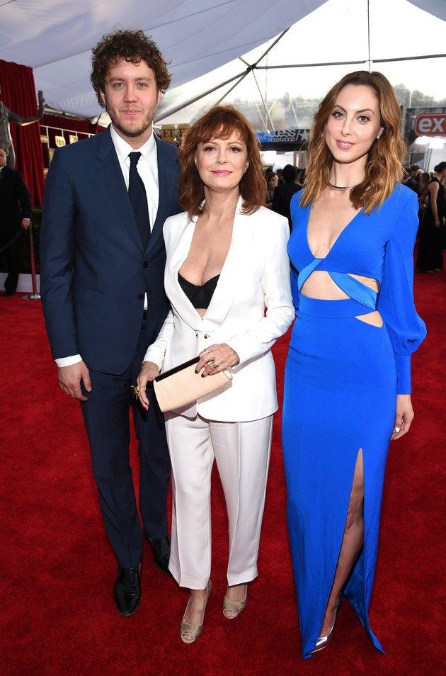 Susan Sarandon ai SAG Awards con i figli Eva Amurri e Jack Robbins
