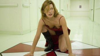Resident evil: Milla Jovovich in una scena del film