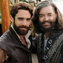 Galavant: Joshua Sasse e Timothy Omundson in una foto del primo episodio della seconda stagione