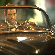 Lucifer: l'attore Tom Ellis interpreta Lucifero