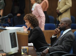 American Crime Story: The People v. O.J. Simpson - Srah Paulson e Sterling K. Brown in una foto tratta dagli episodi della serie