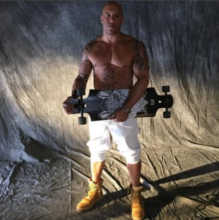 xXx: The Return of Xander Cage: Vin Diesel e il suo skateboard