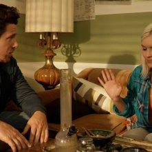 Oliver, Stoned: Brea Grant e Seth Cassell in una scena del film