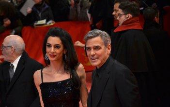 Berlino 2016: George Clooney e Amal Alamuddin sul red carpet di Ave, Cesare!