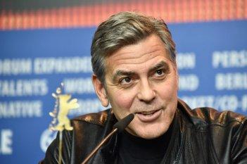 Ave, Cesare: un bel primo piano di George Clooney in conferenza a Berlino