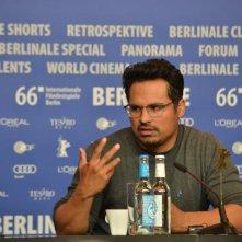 Berlino 2016: Michael Peña alla conferenza di War On Everyone