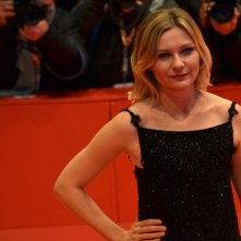 Berlino 2016: Kirsten Dunst posa sul red carpet di Midnight Special