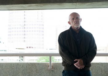 Better Call Saul: l'attore Jonathan Banks è Mike in Switch