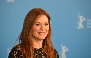 Berlino 2016: Julianne Moore al photocall di Maggie's Plan