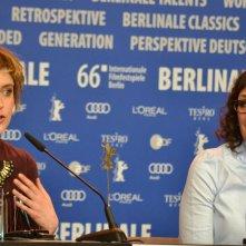 Berlino 2016: Greta Gerwig e Rebecca Miller alla conferenza di Maggie's Plan