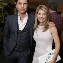 John Stamos con Lori Loughlin alla premiere di Fuller House a Los Angeles